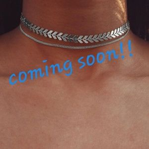 Double Arrow Choker Necklace Silver